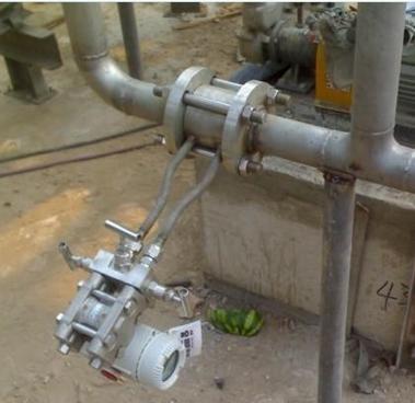 导热油流量计现场安装效果图